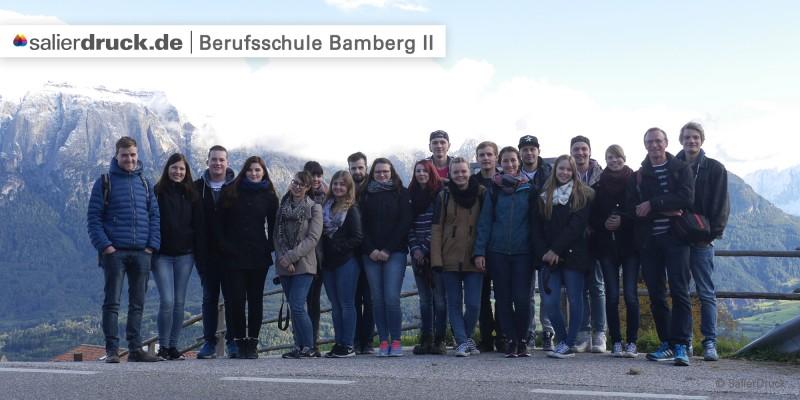 Alle zusammen: Lachen!:) Die Teilnehmer/innen der Studienfahrt.
