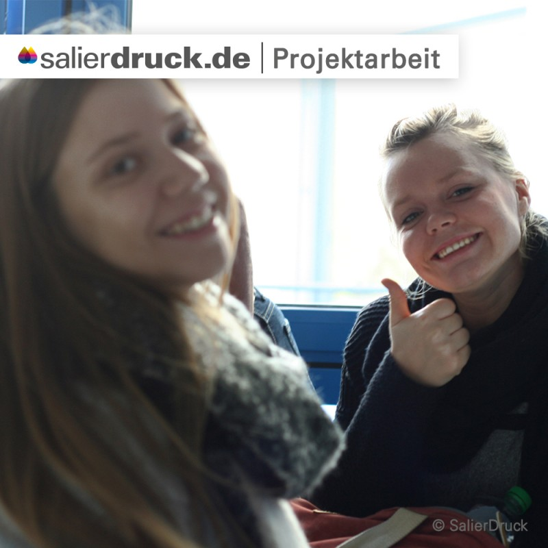 Es geht los: Die Studentinnen freuen sich auf das Projekt.