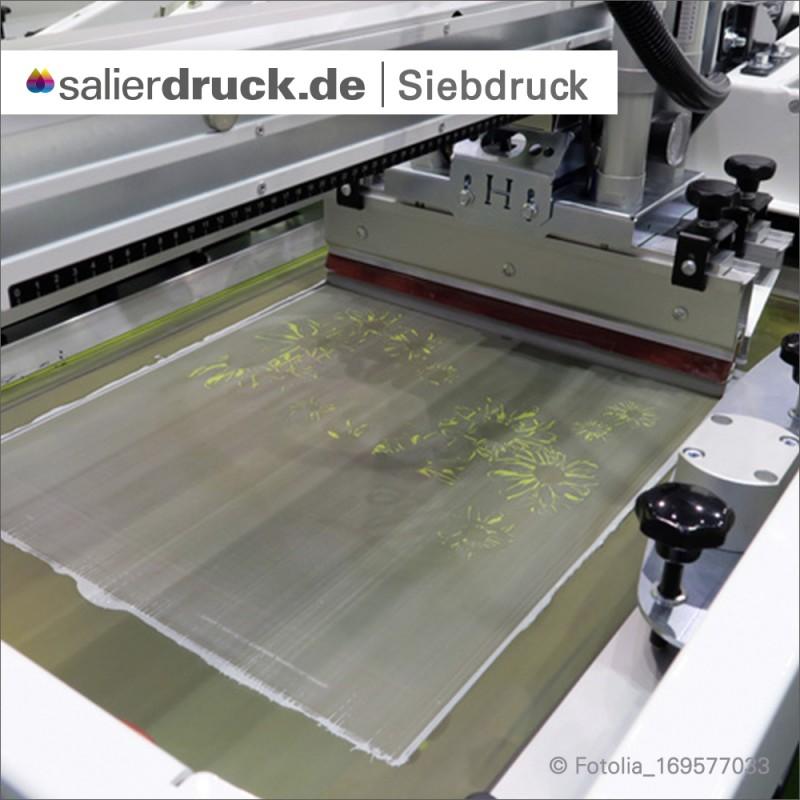 Im Siebdruck wird das Bild durch ein feinmaschiges Gewebe auf das Druckmedium gedrückt.