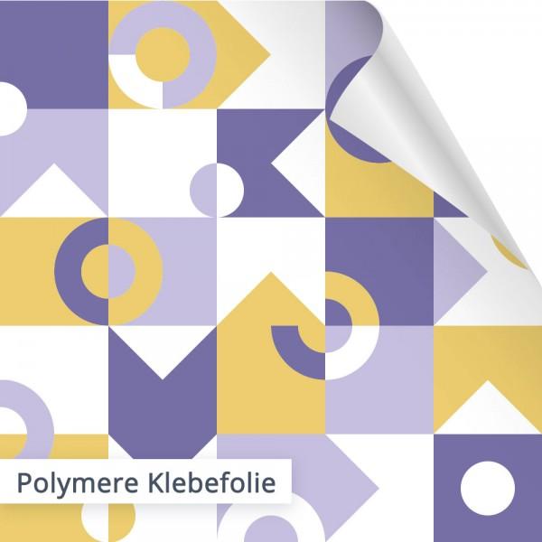 Polymere Klebefolien halten perfekt auf glatten Untergründen wie Häuschen an Bushaltestellen.