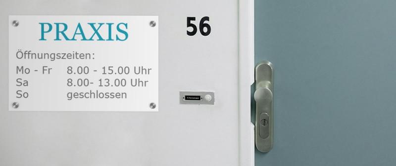 Schilder werden mit Folie kaschiert | SalierDruck.de