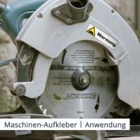 Bringen Sie mit Maschinenaufklebern Sicherheitswarnungen an gefährlichen Geräten wie einer Kreissäge an.