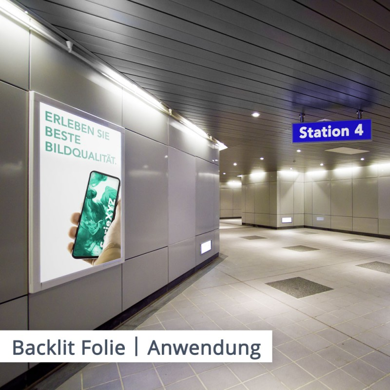 Futuristische Smartphones sollten mit besonderem Effekt hervorgehoben werden. Eine Backlit-Folie im Leuchtkasten hebt Ihre Werbung besonders hervor.