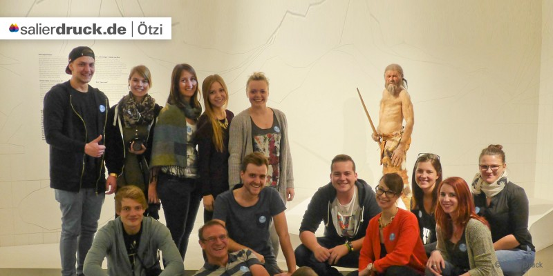 Ein Gruppenfoto mit Ötzi.
